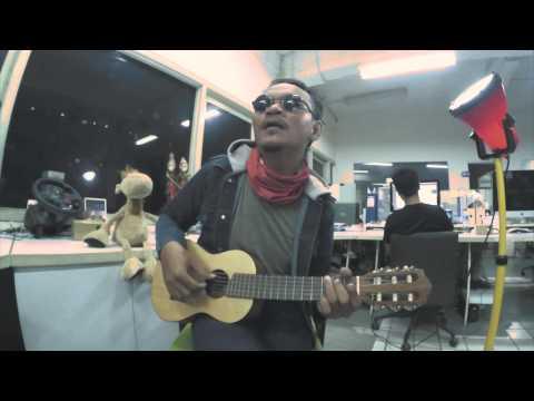 Vina Panduwinata - Cinta (Cover Version)