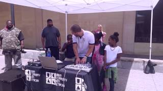 Making beats live on the street with kids