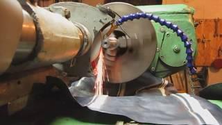 шлифовка круглошлифовальной приспособой на токарном