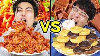 24時間いきなり激辛vs激甘の食べ物を出される生活!どっちが食べ続けられるか!?