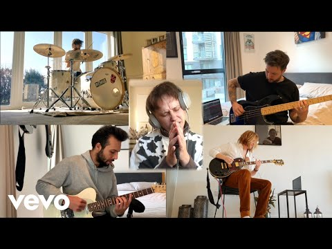 Nothing But Thieves - In Solitude :: Is Everybody Going Crazy? (Live)