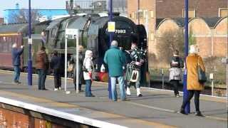 Oliver Cromwell entering Cleethorpes station