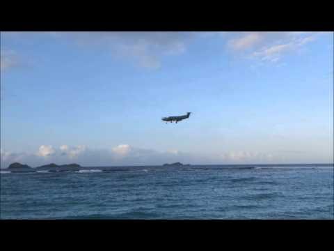 St. Barths beach landing screensaver (90 minutes - HD)
