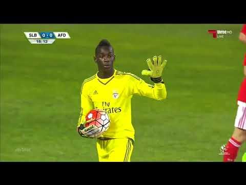 Celton Biai - O Passaro Negro - SL Benfica