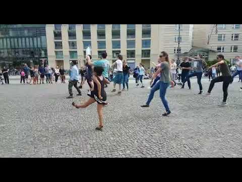 Indien student 1st Flash mob in Berlin germany (BY Chandu CM)