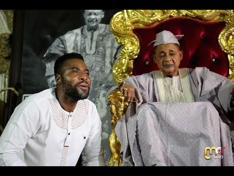 Download IBRAHIM CHATTA IS EXTRA ORDINARY TALENTED, SEE HOW HE PRAISE ALAAFIN OYO IN HIS PALACE