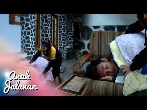 Romantisnya Raya Kasih Selimut Mondy Lagi Tidur [Anak Jalanan] [29 Jan 2016]