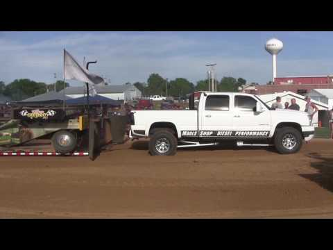 Central Illinois Truck Pullers - 2015 Four-Wheel Drive Diesel Trucks - Truck Pulls Compilation