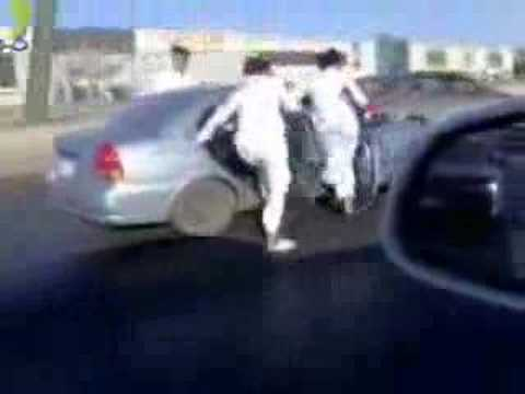 skating-in-saudi-arabia-looool