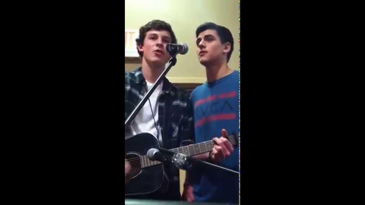 shawn mendes and jack gilinsky singing at magcon dallas i