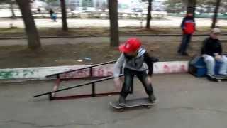 Лучегорцам нужен нормальный скейтпарк(Привет от скейтеров Лучегорска того, что находится в Приморском крае. В нашем городке нет скейтпарка, и..., 2014-09-07T13:57:30.000Z)