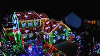 Koors Family Creates a Painting in Lights - The Great Christmas Light Fight