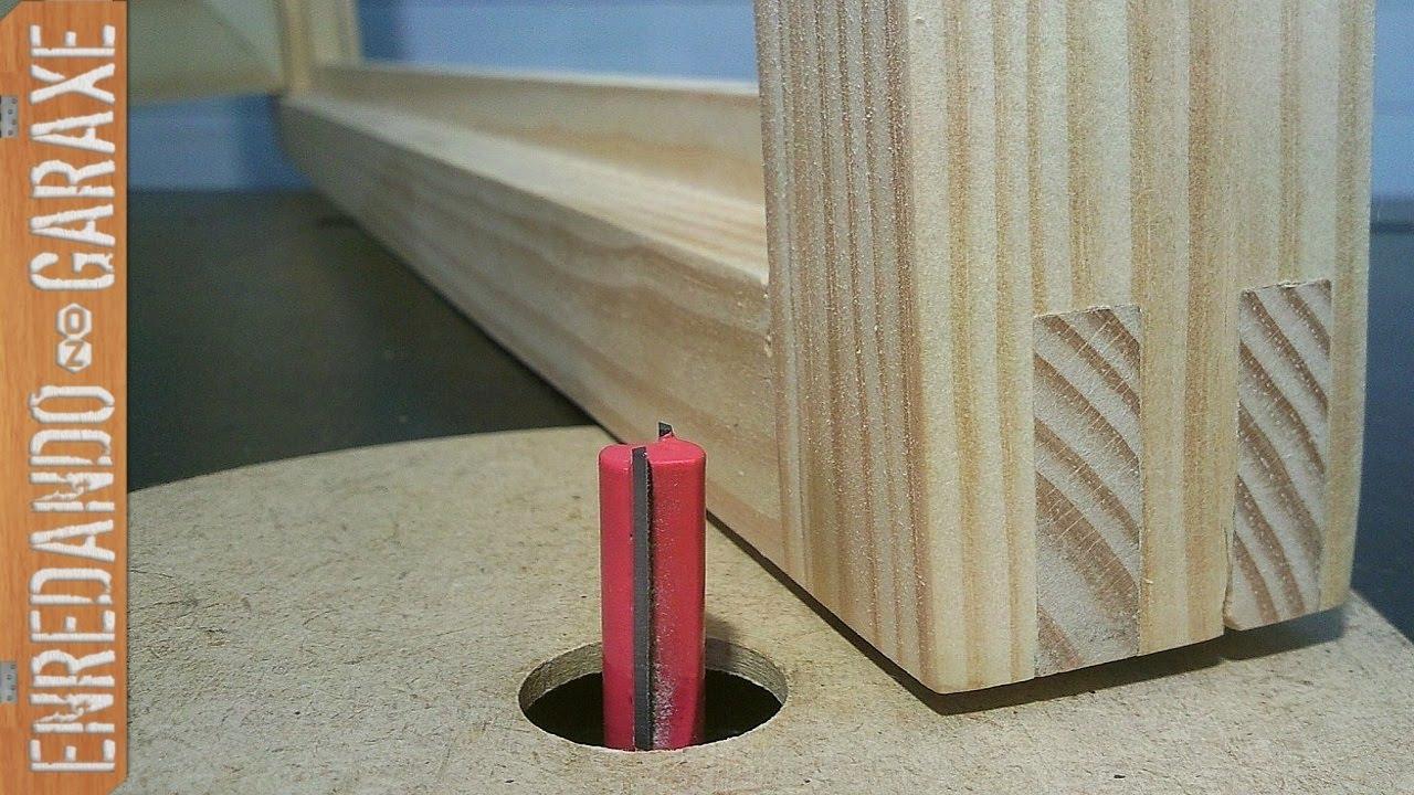 Marco para una ventana de madera youtube for Como se hace una puerta de tambor