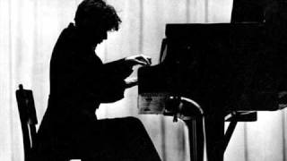 Glenn Gould live in Moscow 1957, (1) plays Berg Sonata op. 1