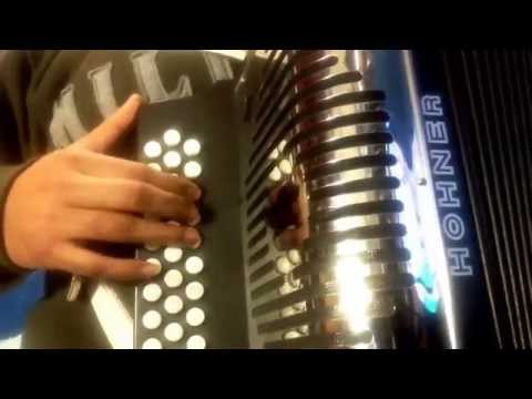 Arnulfo jr. Despacito intro acordeon de fa