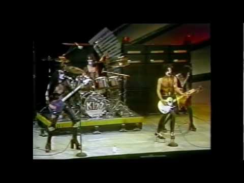 """KISS """" Midnight Special """" [ 4/1/75 TV complete appearence ]"""