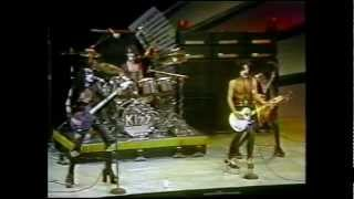 "KISS "" Midnight Special "" [ 4/1/75 TV complete appearence ]"