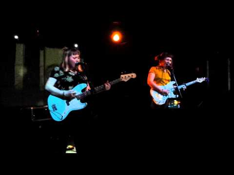 girlpool-cut-your-bangs-radiator-hospital-cover-the-echo-los-angeles-ca-12-22-2014-iwasthere3037