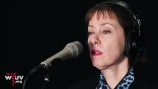 "Suzanne Vega - ""Annemarie"" (Live at WFUV)"