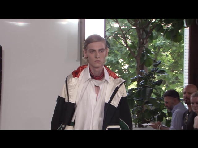 VALENTINO MEN'S SPRING/SUMMER 2018 COLLECTION