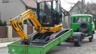 Transport of the excavator JCB 8030 ZTS
