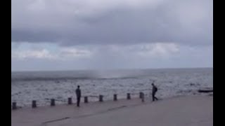 Tromb drar in över Malmö