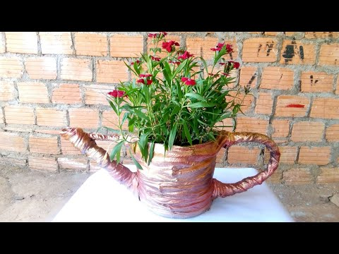 Make bucket-shaped flower pots watering with cloth and cement