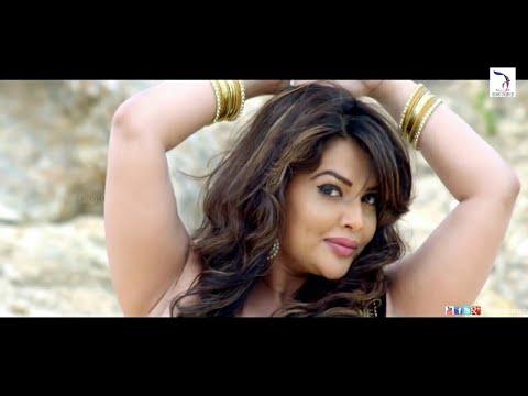 Sexy hot bhabhi's lickable armpits in sleeveless saree touched thumbnail