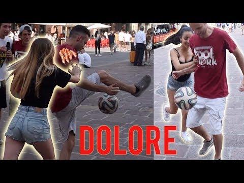 Ragazze ITALIANE Picchiano i CAMPIONI ITALIANI Di CALCIO Freestyle!! feat. FOOTWORK