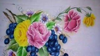 Veja como pintar uva nas cores, azul hortência, azul marinho, preto e branco