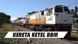 Kereta Ketel BBM Berjalan di Jl. Ahmad Yani Surabaya