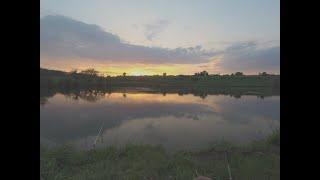 Отдых после рабочей недели Вечерняя рыбалка на удочку