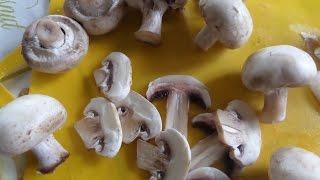 Как очистить грибы Шампиньоны.