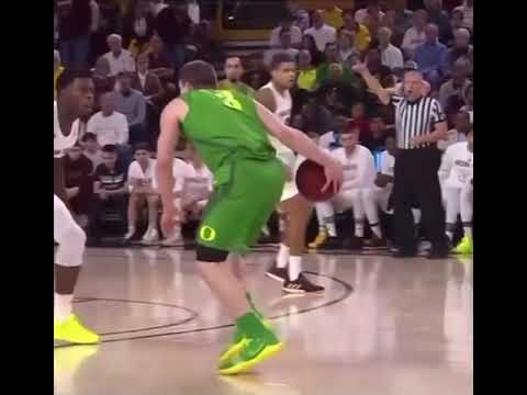 Celtics 26th pick Payton Pritchard breaks DORT's ankles