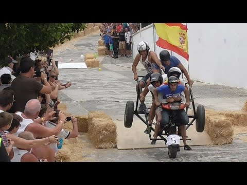 AUTOS LOCOS EN FRIGILIANA (AMAZING SLOW MOTION)