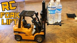 Big RC ForkLift / Crane Review SUPER REALISTIC -1/10 Scale Aluminum Alloy HUINA 1577 - TheRcSaylors
