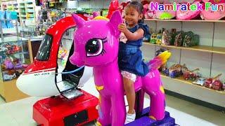 Download Video Bermain Mainan Anak Naik Odong Odong Koin Kuda my little pony lucu & odong2 pesawat MP3 3GP MP4