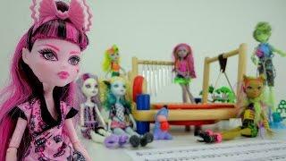 Видео для девочек. Монстр Хай и рассказ про музыку с нотами