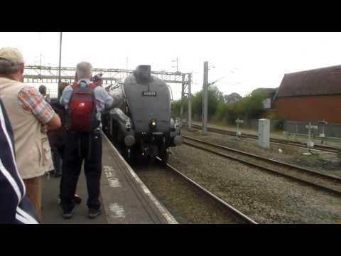 60009 'union of south africa departes nuneaton on a railtour