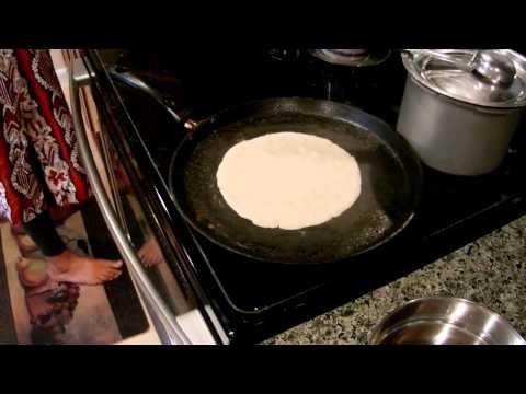 How to make jolada rotti (ಜೋಳದ ರೊಟ್ಟಿ) or bhakri (ज्वारीची भाकरी) - Gluten free Indian bread