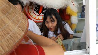Khai trương tiệm thuốc tây cô chủ mời đoàn múa lân về múa cho hoành tráng !!!