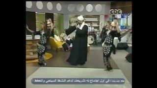 hegazy metqal boss ala el halawa acompaado de bailarinas fellahin