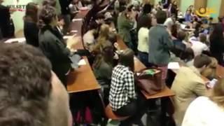 شاهد .. طلاب جامعة رين الفرنسية يقاطعون مؤتمر السفيرة الإسرائلية