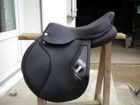 equitation bien choisir sa selle d 39 equitation youtube. Black Bedroom Furniture Sets. Home Design Ideas