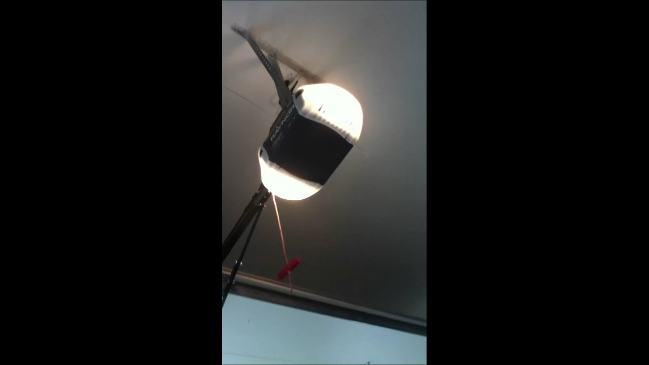 My Raynor Aviator garage door opener - YouTube