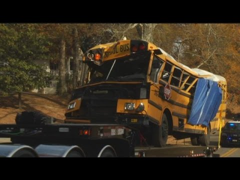 Chattanooga bus crash renews old conversation about seat belts on school buses