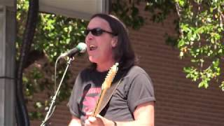 "Jim Suhler and Monkey Beat - ""Shake/Hush"" (Live at the 2017 Dallas International Guitar Show)"