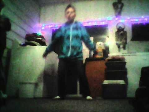 i dance to 957 Ben FM