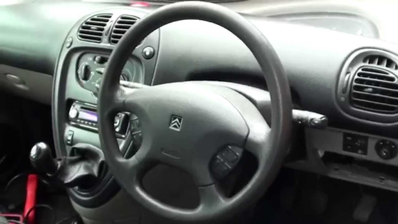 citroen xsara picasso fuse box location video youtube rh youtube com