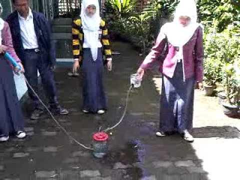 """Video percobaan fisika """"air mancur sederhana"""" SMA L UPI"""